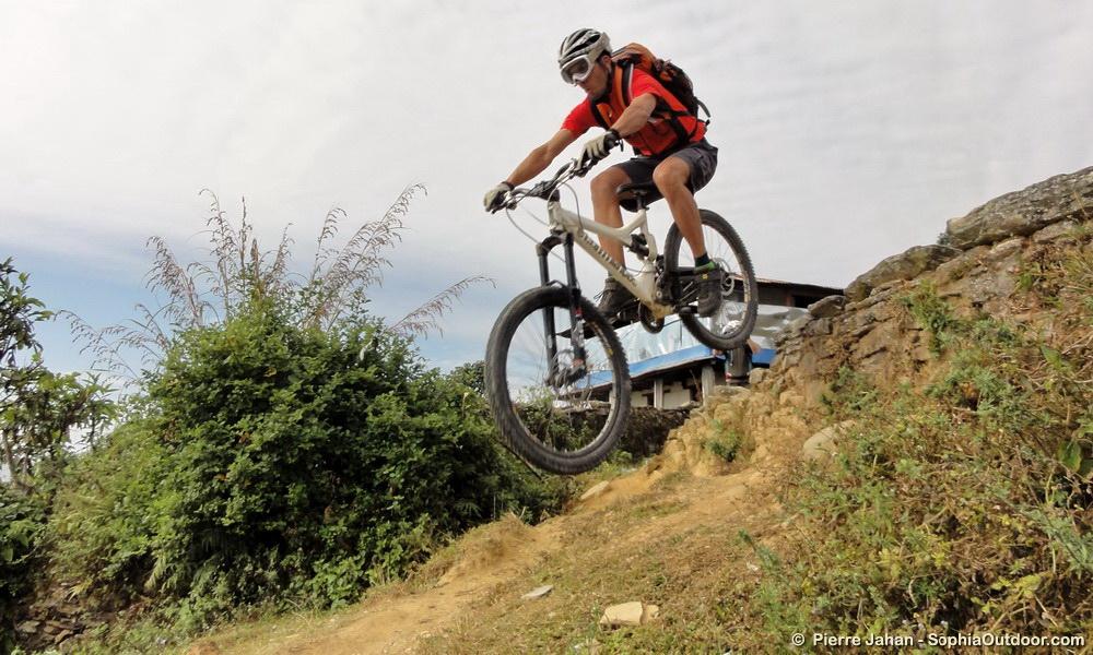 Flo jump sur Pokhara
