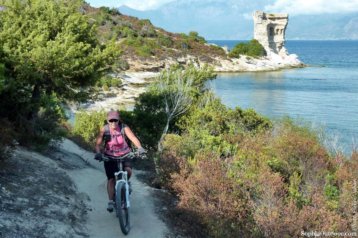Sentier du littoral et tour Génoise