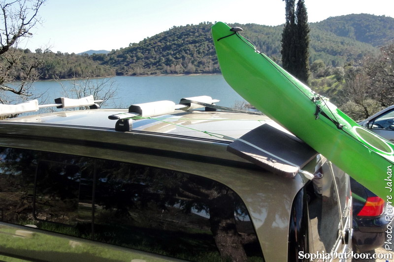 Transport kayak sur toit de fourgon for Comment monter sur un toit