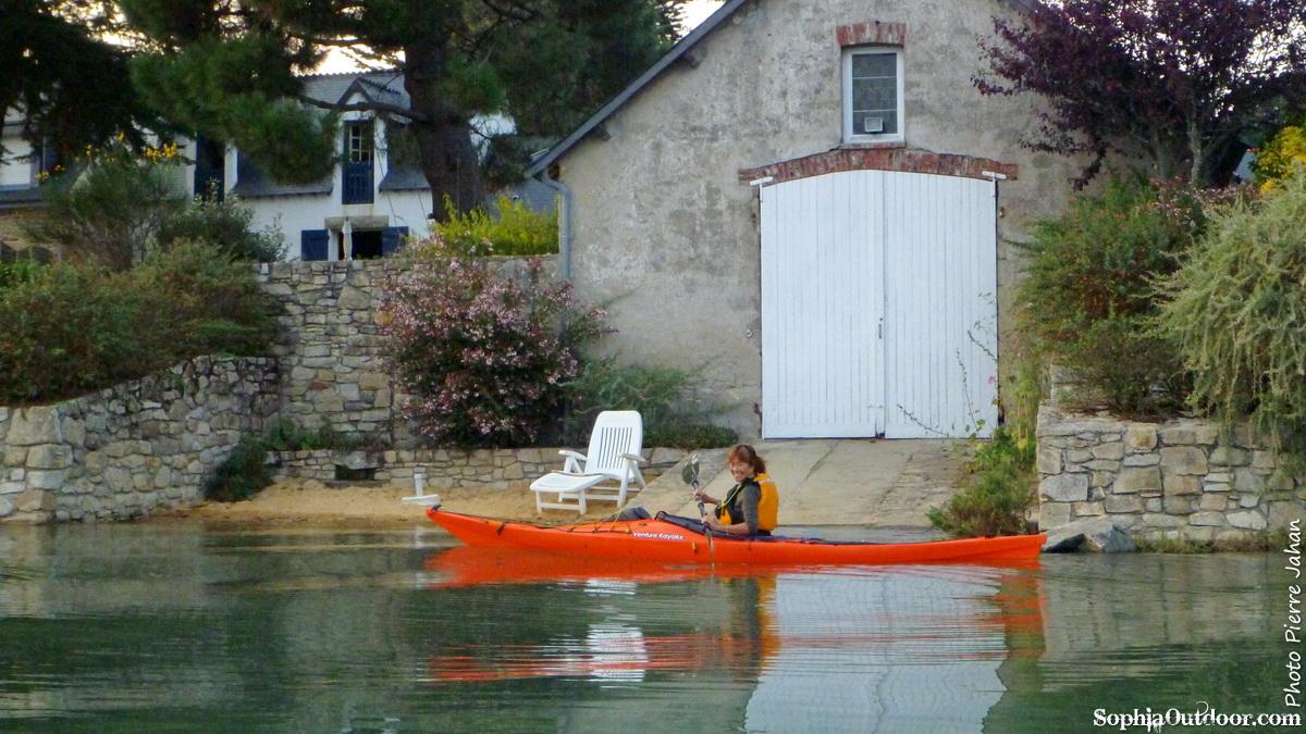 navigation en kayak sur le gof du Morbihan P1030132