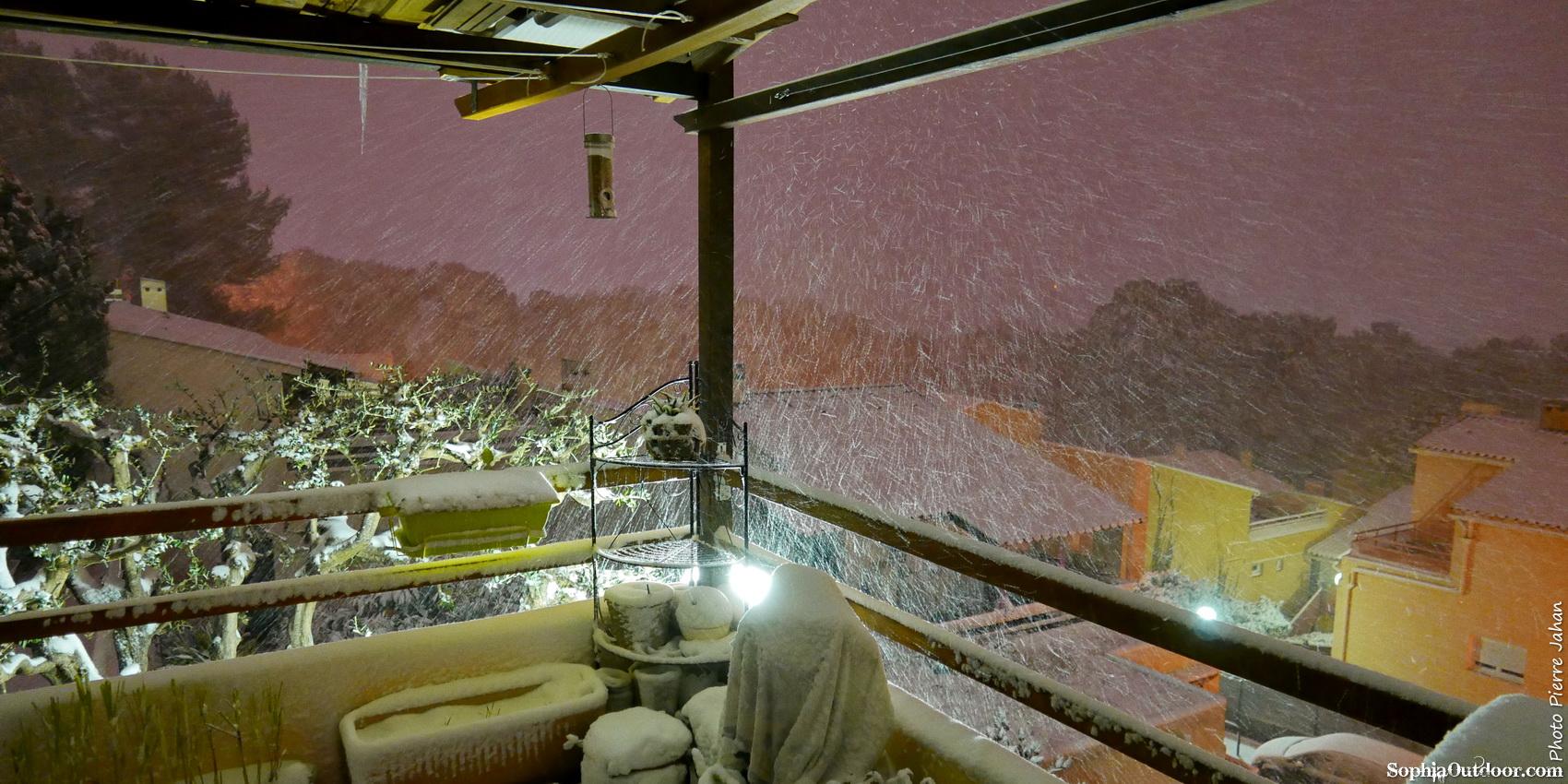 Episode neigeux dans le sud-est P1290626