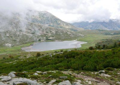 La vue du lac en venant du GR20 Nord. P1320551