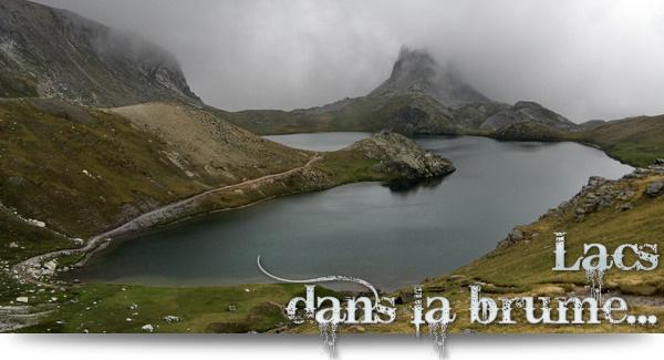 Lacs dans la brume