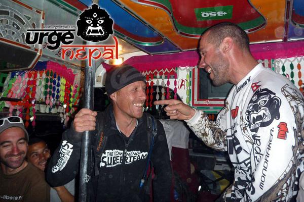 Tangi Rebours et Fabien Barel pendant le Urge Népal